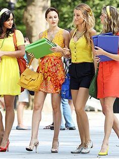 Gossip Girl, el setting, vestuario, los chismes... Perfecto para sentirte una niña fresa feliz!!!