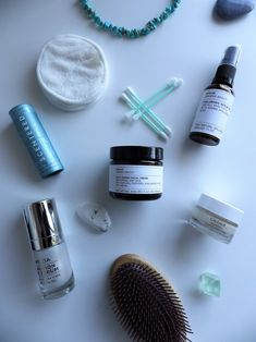 Discover how to be more eco-friendly with beauty #cleanbeauty #cleanbeautyproducts #cleanbeautyskincare #ecofriendlybeauty #sustainablebeauty Facial Cream, Organic Beauty, Clean Beauty, Natural Skin, Eco Friendly, Lily, Skin Care, Ideas, Skincare Routine