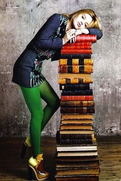 mmhmm green tights // Georgia May Jagger by Max Vadukul for Vogue China. Georgia May Jagger, Georgia Mae, Vogue China, Mode Monochrome, Green Tights, Coloured Tights, Green Leggings, Like A Rolling Stone, Grad Pics