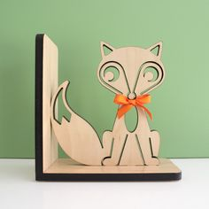 Fox Wooden Bookend - www.graphicspaces.com