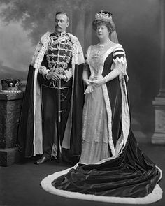 George William James Chandos Brudenell-Bruce, Marquess of Ailesbury and Lady Sydney, Marchioness of Ailesbury, née Madden Royal Crowns, Royal Jewels, Tiaras And Crowns, British Nobility, Royal Photography, Elizabethan Era, Marquess, Court Dresses, Williams James