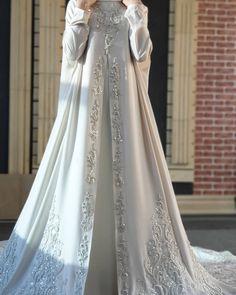 Hijab Style Dress, Disney Wedding Dresses, Muslim Brides, Wedding Hijab, Pakistani Wedding Dresses, Bridal Dresses, Wedding Gowns, Bridesmaid Dresses, Wedding Cakes