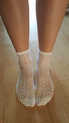 Kvalitní české krajkové ponožky za super cenu #ponozkyskrajkou #krajkoveponozky #sneakers #kvalitniponozky #bavlneneponozky #damskebavlneneponozky #levneponozky #levnebavlneneponozky #rajponozek High Socks, Fashion, Moda, Thigh High Socks, Fashion Styles, Stockings, Fashion Illustrations