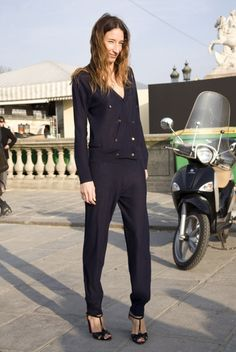 wish i could pull off a pant suit-awesome!