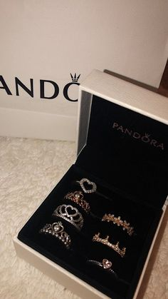 Jewelry OFF! >>>Visit>> Anéis Pandora Fashion trends Fashion designers Casual Outfits Street Styles>>>Pandora Jewelry OFF! Cute Jewelry, Jewelry Rings, Jewelry Accessories, Jewlery, Pearl Jewelry, Jewelry Ideas, Pandora Bracelets, Pandora Jewelry, Pandora Pandora