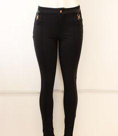 #luce hermosa con este #legging en #negro y #vinil