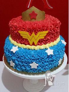 vanilla mug cake Wonder Woman Cake, Wonder Woman Party, Girl Superhero Party, Superhero Cake, Vanilla Mug Cakes, 6th Birthday Parties, Birthday Ideas, 7th Birthday, Birthday Woman