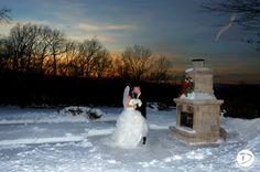 Log cabin Delaney House wedding photo #WinterWedding #WinterWonderlandWedding #LogCabinWeddingPhoto