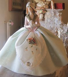 "Lovely Heart Stuff: ""I invite you to the prom . or vintage dolls needle bed"" Antique Dolls, Vintage Dolls, Vintage Sewing, Vintage Stuff, Pretty Dolls, Beautiful Dolls, Porcelain Jewelry, Fine Porcelain, Porcelain Tiles"
