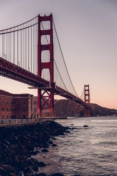 Golden Gate Bridge in San Francisco right after sunset! Golden Gate Bridge Wallpaper, San Francisco Wallpaper, San Francisco Photography, Road Trip, Viva Luxury, Wallpaper Aesthetic, Travel Style, Places To Travel, Cool Pictures