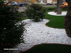 #decoracion LAS MEJORES CASAS DE MÉXICO. Los jardines con piedras blancas, son una propuesta decorativa de lo más atractivo. Gracias al valor estético de las piedras, el sentido del espacio es maravilloso. En Grupo Sadasi, le invitamos a conocer los planes de financiamiento que tenemos, para comprar su casa en nuestros desarrollos. informes@sadasi.com