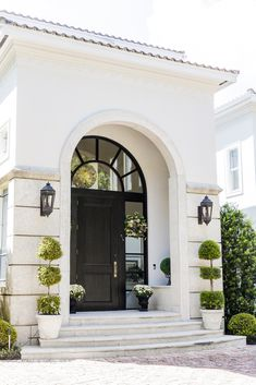 40 Awesome Minimalist Home Door Design You Have Must See Home Door Design, House Entrance, Grand Entrance, Entrance Design, Entrance Mats, Dream House Exterior, Cottage Exterior, Classic House, Autumn Home