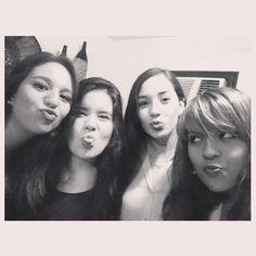 Four kisses :*