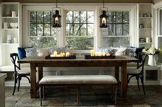 Foto boven is van een Deense boerderij, ik ben verliefd op de raampartijen. Foto onder: mooie kamer in natureltinten. De salontafel vin...