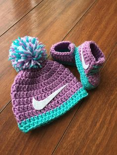 Conjunto Nike de ganchillo sombrero y botines regalos de