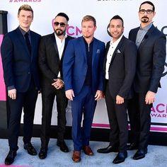 Quantos likes essas belezuras merecem? A melhor boyband de todos os tempos passando pela sua timeline! #ACMs #backstreetboys