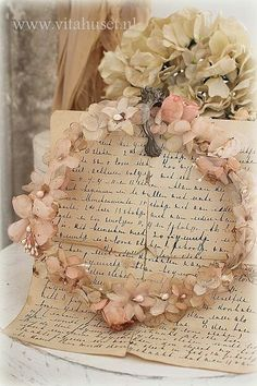 An Art to continue for the masses! Vintage Love, Vintage Flowers, Estilo Shabby Chic, Chabby Chic, Wax Flowers, Vintage Lettering, Rose Cottage, Love Letters, Decoupage