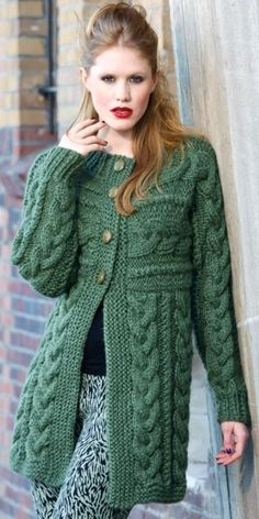 Ladies Cardigan Knitting Patterns, Cable Knitting Patterns, Baby Hats Knitting, Knitting Designs, Knitwear Fashion, Knit Fashion, Sweater Fashion, Crochet Coat, Knitted Coat