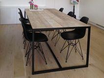 Industriële tafel steigerhout met ingelegd blad Circular Table, Küchen Design, Drafting Desk, Room Interior, Man Cave, Designer, Dining Table, Furniture, Home Decor