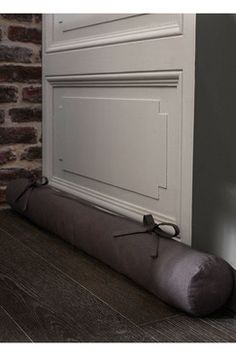 1000 images about coussins de porte on pinterest draught excluders doorstop and sock snake. Black Bedroom Furniture Sets. Home Design Ideas
