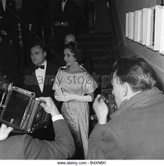 Elizabeth Taylor and Mike Todd | Elizabeth Taylor & Mike Todd - 1957-1958 on Pinterest | Mike todd ...