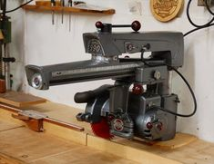 Delta Manufacturing Co. - Super 990 Radial Arm Saw | VintageMachinery.org