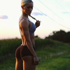 """Rebekah Willich Ifbb Pro on Instagram: """"candid photo by my videographer @sarthakjoshi Be sure to follow @srj_productions @srj_productions @srj_productions Sarthak does amazing things behind the lens... Just starting his business I'd Say he's got a pretty bright future ahead of him! Super affordable if your in his area and looking to shoot video/photo. Click the link in his page to schedule....Can't wait to show you guys the things we have been working on """""""