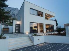 Moderne Villa mit Pool bei Baska Voda