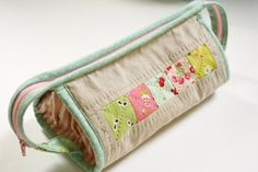Over Easter, when my mom was visiting, I made her a sew together bag (which I did not get one single picture of). I pulled t...