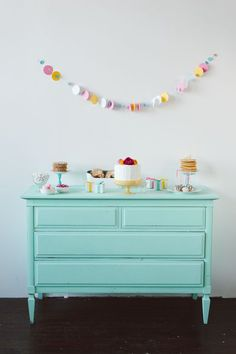 How To Style a Simple Spring Brunch // Tablescape // Buffet Style Brunch // teal dresser // Styling by Confetti Pop // Photography by Jeff Loves Jessica