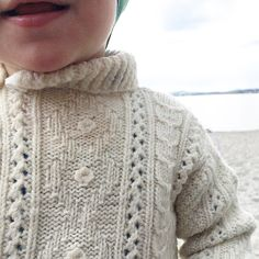 My mother made this. For me. 30-something years ago 💛 #loopknitting #vintageknit #knittspiration #knitted_inspiration #knittersofinstagram #strikke #vintagestrikk #myboy #myeverything #huk #strikkigenerasjoner