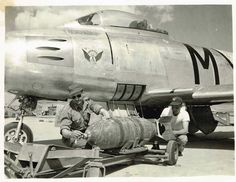 South African Air Force 2 Squadron Armourers Air Sergeant Steyn and Leading Air Mechanic Britz Fuzing Bombs prior to a mission over North Korea - Sabre South African Air Force, Us Military Aircraft, Korean War, North Korea, War Machine, Airplanes, Evolution, History, Planes