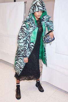 Valentino Pre-Fall 2018 Collection Photos - Vogue