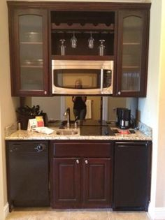 Kind Studio kitchenette - Picture of Camden on the Lake Resort ...