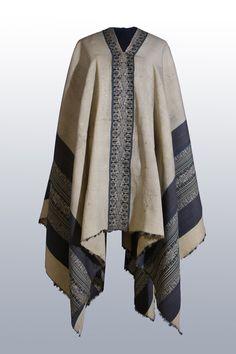 Detalles para ver V   Museo Histórico Nacional Hippie Style, Bohemian Style, Poncho Outfit, New Fashion, Fashion Outfits, Gaucho, Native American Fashion, Wardrobes, Kimono Top