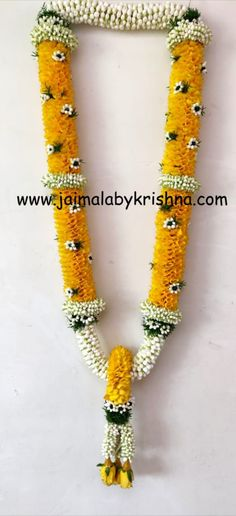 Colourful floral garland with green touch. premium designer garlands by Fresh Flower Designer Garlands😍 Orders taken from 👈 Hyderabad : 9966377488 Chennai : 7305105056 Banglore : 9176075812 Flower Garland Wedding, Floral Garland, Flower Garlands, Wedding Garlands, Wedding Hall Decorations, Backdrop Decorations, Indian Wedding Bridesmaids, Indian Flowers, Cricut Wedding