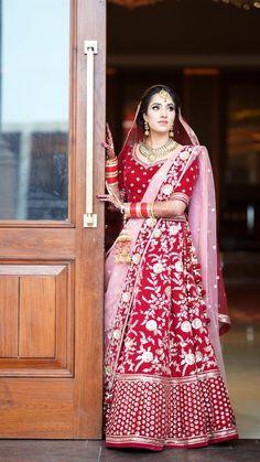 Wedding Lehnga, Indian Bridal Lehenga, Indian Bridal Wear, Desi Wedding, Indian Wear, Wedding Poses, Wedding Bride, Wedding Ideas, Indian Attire