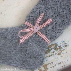 Crochet Socks, Crochet Scarves, Knitting Socks, Knit Crochet, Warm Socks, Knit Wrap, Knitting Projects, Knitting Ideas, Mittens