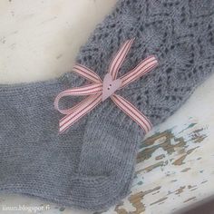 Crochet Socks, Crochet Scarves, Knitting Socks, Knit Crochet, Warm Socks, Knitting Projects, Knitting Ideas, Knit Wrap, Mittens