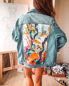 new style clothes Painted Denim Jacket, Painted Jeans, Painted Clothes, Denim Fashion, Look Fashion, Fashion Outfits, Diy Clothing, Custom Clothes, Denim Art