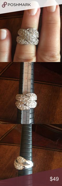 Sterling silver CZ cluster fashion Ring CZ Woven fashion right hand ring. Lots of brilliance on this ring. Size 6 Jewelry Rings