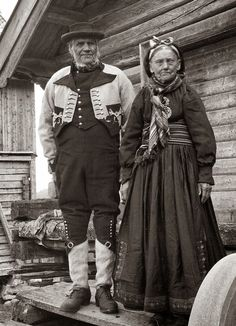 FolkCostume&Embroidery: Gråtrøje costume of East Telemark Norway Folk Clothing, Historical Clothing, Historical Photos, Antique Pictures, Vintage Photos, History Of Norway, Norwegian Clothing, Frozen Musical, Frozen Costume