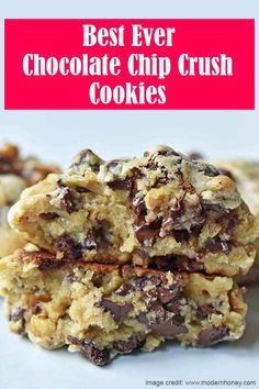 The BEST Chocolate Chip Walnut Cookies. The Famous Levain Bakery Chocolate Chip Cookie Recipe that everyone goes crazy over! The BEST Chocolate Chip Walnut Cookies. The Famous Levain Bakery Chocolate Chip Cookie Recipe that everyone goes crazy over! Bakery Chocolate Chip Cookie Recipe, Chocolate Chip Walnut Cookies, Chocolate Chip Oatmeal, Chocolate Chips, Cookie Bakery, Chocolate Chip Cupcakes, Chocolate Chip Recipes, Chocolate Desserts, Levain Cookies