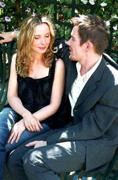 Julie Delpy and Ethan Hawke in Before Sunset, directed by Richard Linklater Before Sunset Movie, Before Sunrise Trilogy, Before Trilogy, Sunset Movies, Julie Delpy, Romantic Movie Scenes, Romantic Movies, Series Movies, Film Movie