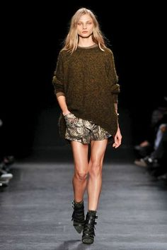 Isabel Marant 2014/2015 LOVE THE KAKI KNITWEAR !!!!!!!! this association of materials is awesome!