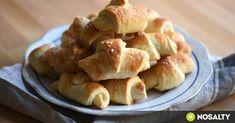 Pihe-puha sörkifli recept képpel. Hozzávalók és az elkészítés részletes leírása. A pihe-puha sörkifli elkészítési ideje: 55 perc Snack Recipes, Snacks, Apple Pie, Feta, Caramel, Garlic, Chips, Chicken, Vegetables