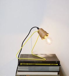 Lampe de table Wattman / H 18 cm