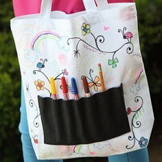 kids tote bag, how to design your own tote bag, kids crafts ideas, kids craft club, kids craft club magazine, kids crafts, childrens crafts, childrens bags http://makeandcraft.com/kids-tote-bag