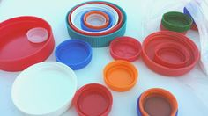 Collect old lids from everything. Heather Hess: How to Create the Perfect Activity Box for Kids. A list of busy activities for toddlers in an organized way