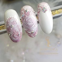 50 Top Best Wedding Nail Art Designs To Get Inspired Flower Nail Art White Nail Art, New Nail Art, White Nail Designs, Nail Art Designs, Nail Art Flowers Designs, Lace Wedding Nails, Wedding Manicure, Mauve Wedding, Ongles Bling Bling